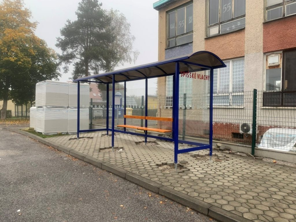 autobusova-zastavka-laura-pristresky-abris-27