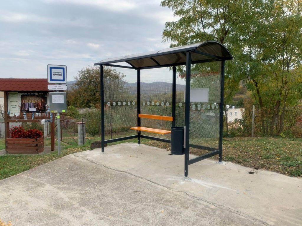 autobusova-zastavka-laura-pristresky-abris-36
