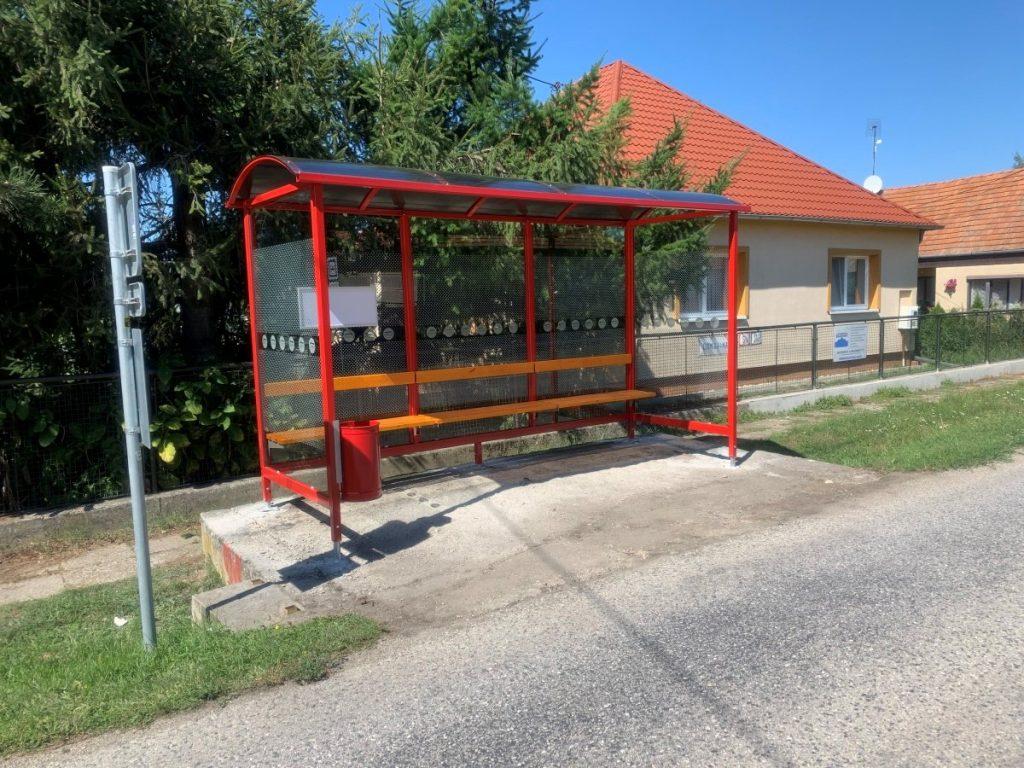 autobusova-zastavka-laura-pristresky-abris-5